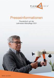 Cover einer Mappe mit Presseinformationen auf dem ein Senior abgebildet ist, der sich am Plaudertisch bewegt